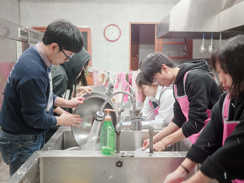 Mission Work using Stir-fried Rice Cake_MDY_180311_50