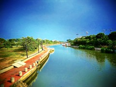 19, 75400 Malacca https://goo.gl/maps/rVxfzsV5tfp #travel #holiday #Asian #Malaysia #melaka #holidayMalaysia #travelMalaysia #旅行 #度假 #亚洲 #马来西亚 #马来西亚度假 #马来西亚旅行 #Malacca #马六甲 #河 #river #gardan #公园 #trip #traveling