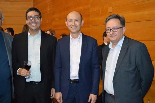 Yuichi Akiama, presidente da Nippon Steel no Brasil, ladeado por executivos da Usiminas