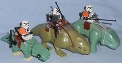 Lego - Dewbacks Comparison