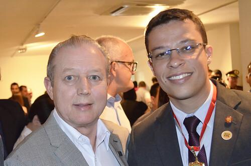 José Maria Facundes e delegado Thiago Herinques - Foto Emmanuel Franco