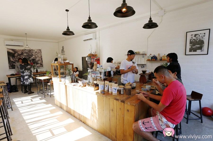 [清萊美食]LOCAL Coffee(chiang rai)│日式小清新風格.街頭塗丫風格風.泰國當地年青人Ig網紅店 @VIVIYU小世界