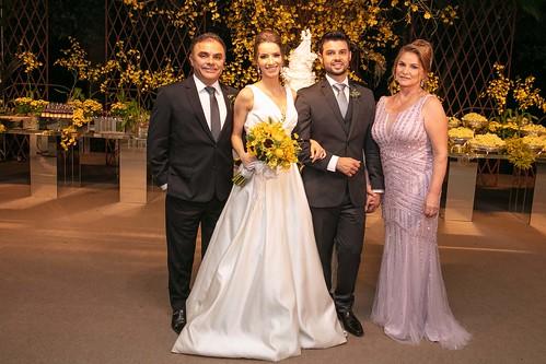 Os noivos com os pais dele, Renato Azevedo e Ângela