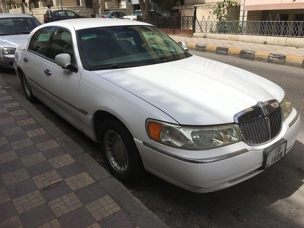 hight resolution of 1998 2002 lincoln town car in amman jordan eunus el ya tags