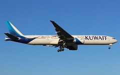 9K-AOJ Boeing 777-369ER Kuwait Airways