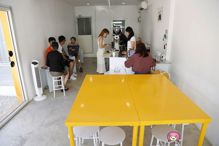 [清邁美食]尼曼區咖啡館│Yellow Crafts Cafe.豆奶結合咖啡的清新小店~Ig網紅打卡名店 @VIVIYU小世界