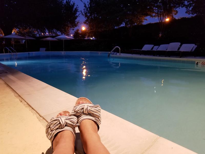 pool-bow-stripe-slides-sandals-3