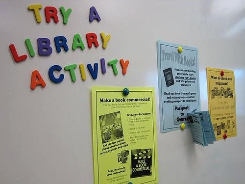 Actividades en las bibliotecas públicas – CC Imagen cortesía de Amanda Hamilton