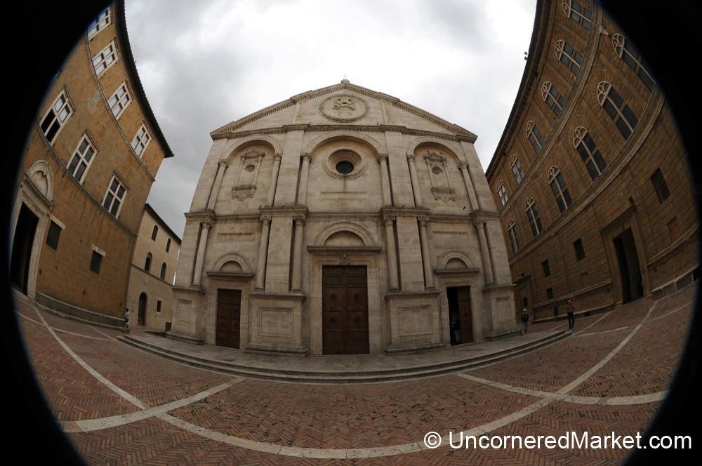 Valle de Orcia  Provincia de Siena Italia  Tripcarta