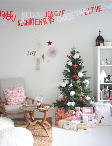 christmas-room-1