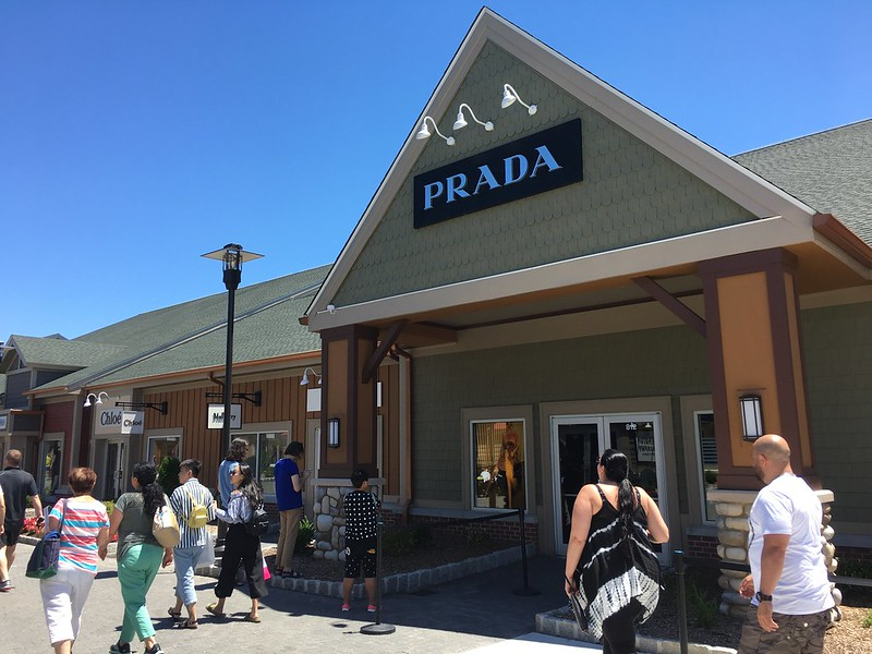 Prada - Woodbury Common