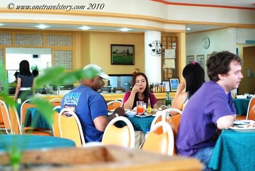 Waway's Resto: customers