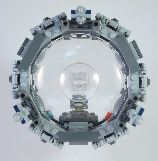 MOC-021 LEGO O Spaceship - Front