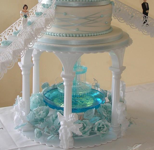 Rashawns blog This extravagant wedding cake is iced in