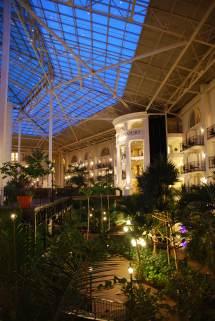Gaylord Opryland Resort 005 - Sharing