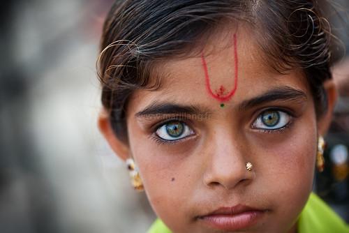 Eyes, Dwarka  Green eyed little girl, Dwarka, Gujarat, India.