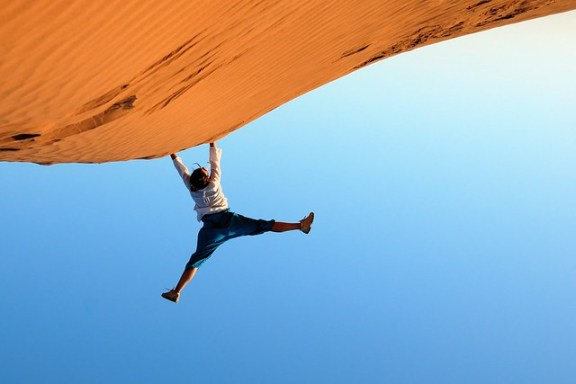 Desert Cliffhanger