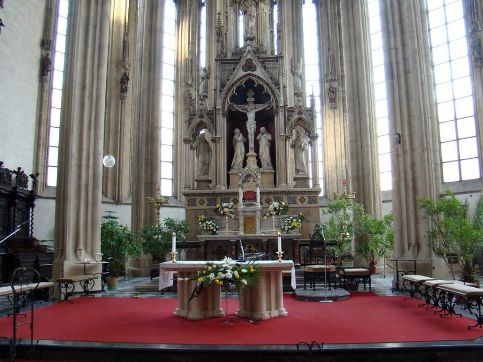 Brno Iglesia de Santiago altar mayor Chequia 23
