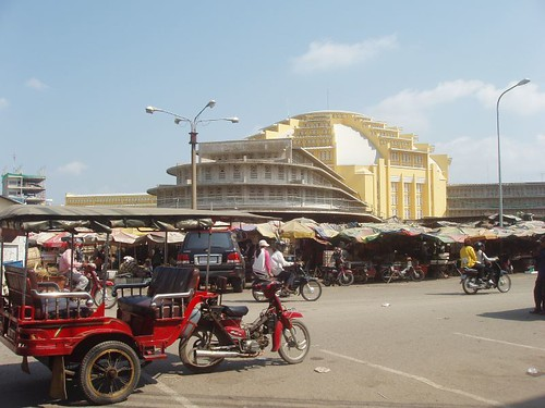 201002040188_Phnom-Penh-central-market