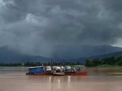 Crossing the Mekong river to Champasak