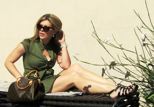 lounge chairs+marc jacobs dress+louis vuitton bag -2-light