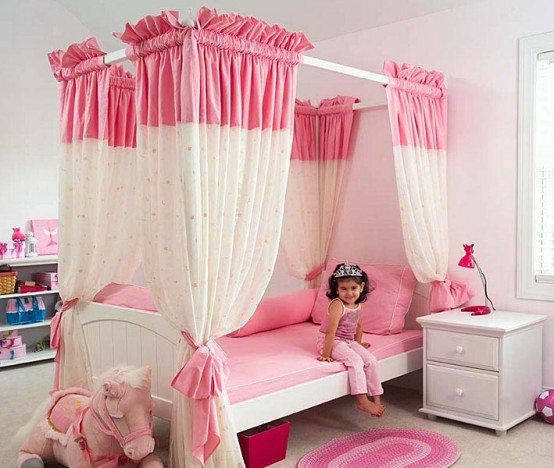 little girls pink bedroom with canopy bed 15-Cool-Ideas-for-pink-girls-bedrooms-3-554x468   Flickr