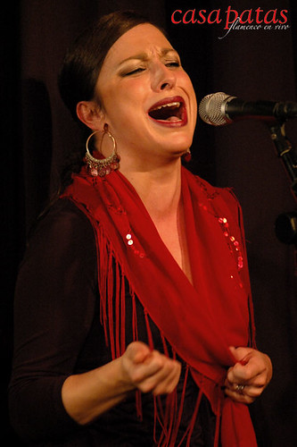 Loreto de Diego cantando en Casa Patas. Foto: Martín Guerrero