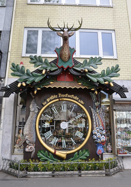 Worlds Largest Cuckoo clock