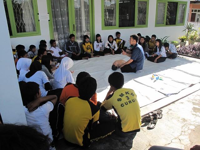 s von der Weiherhofgrundschule hier eines von einer Schule aus Curup in Indonesien