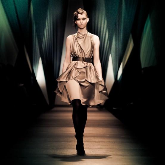 Woman / Fashion