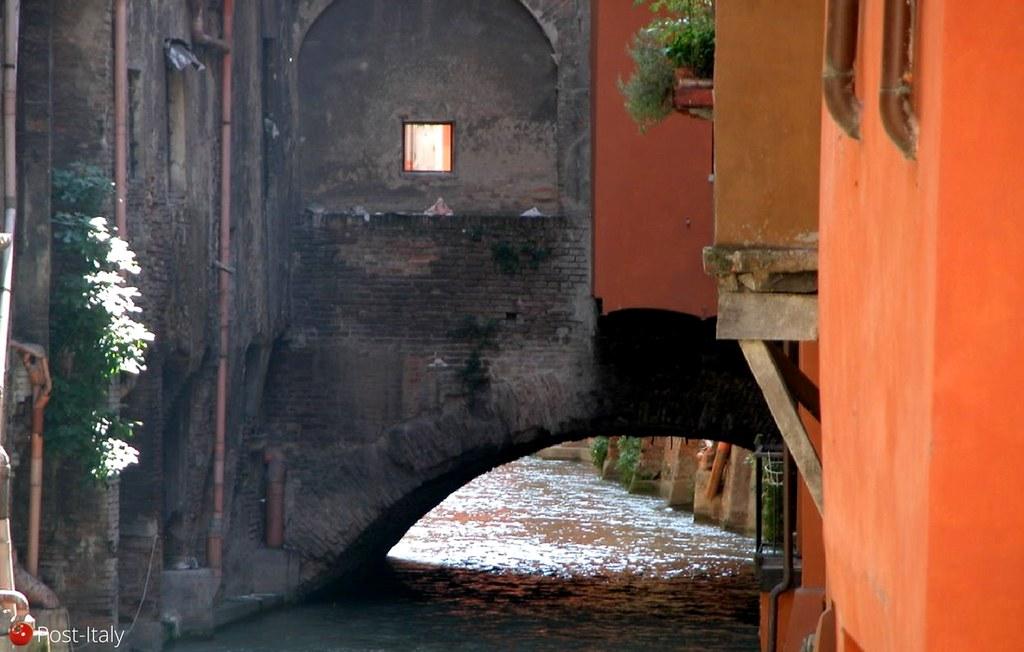 Via Piella, Bolonha