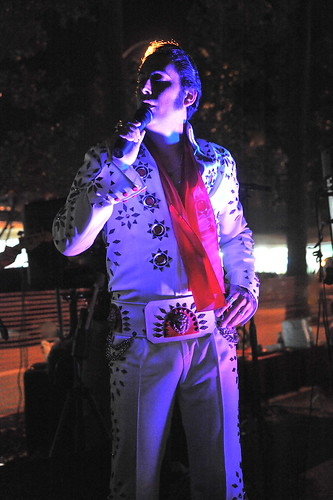 Elvis Lives  By emilio labrador  cc: flickr