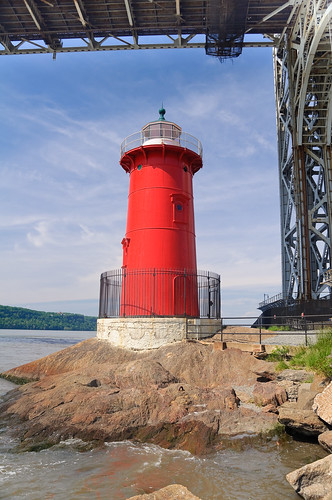 Little Red Lighthouse & Great Grey Bridge DSC_8296