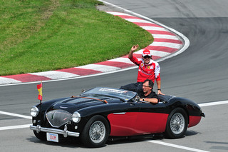 F1 Drivers Parade: Fernando Alonso in an Austin Healey