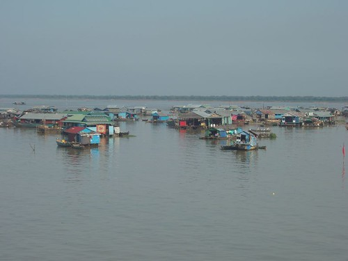 201003060216_Tonle-Sap-floating-village