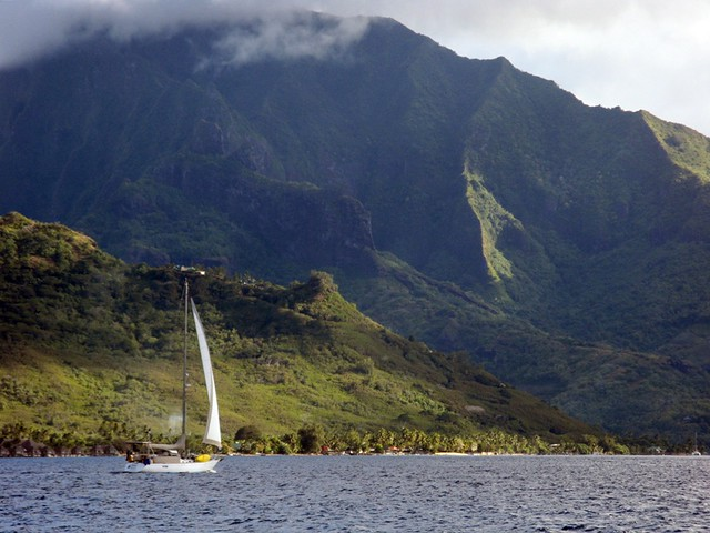 Sailing into Opunohu Bay, Moorea