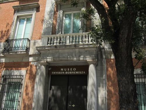 Museo Thyssen-Bornemisza, acceso Plaza de las Cortes. Madrid