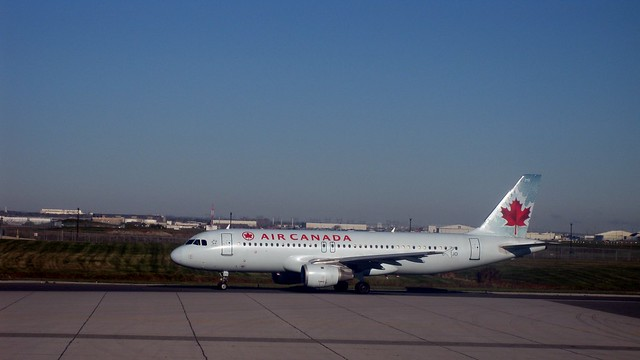Air Canada plane, Toronto Pearson International Airport