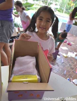 Shoebox-Charity