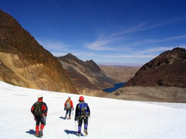 Glacial descent in the Quimsa-Cruz, Bolivia