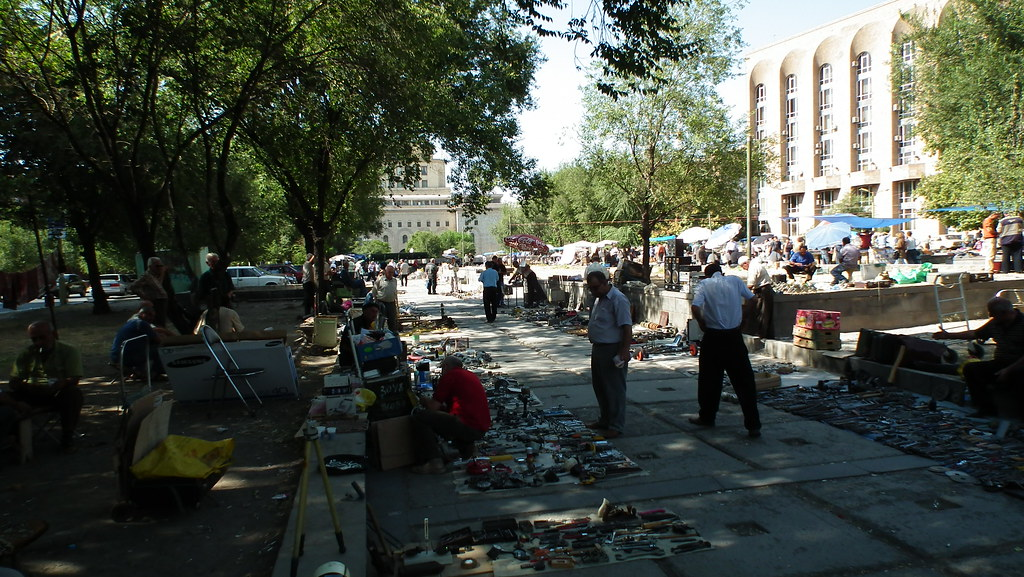 Mercado Vernissage Yerevan Armenia 04
