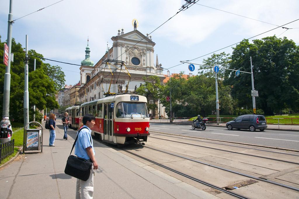 Tram 22 in Karlovo náměstí