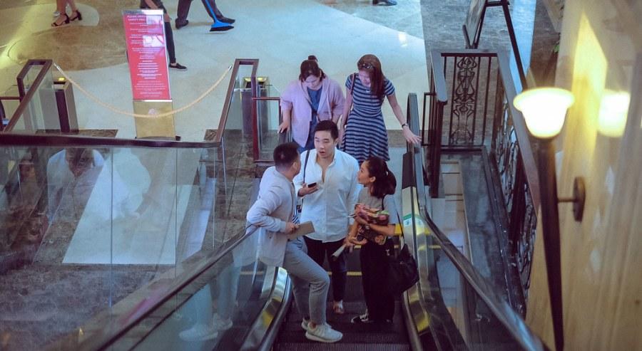 shopping at newport mall (14 of 45)