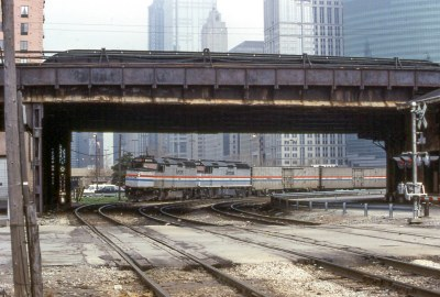 19920419 11 Amtrak Empire Builder near Canal & Fulton Sts.