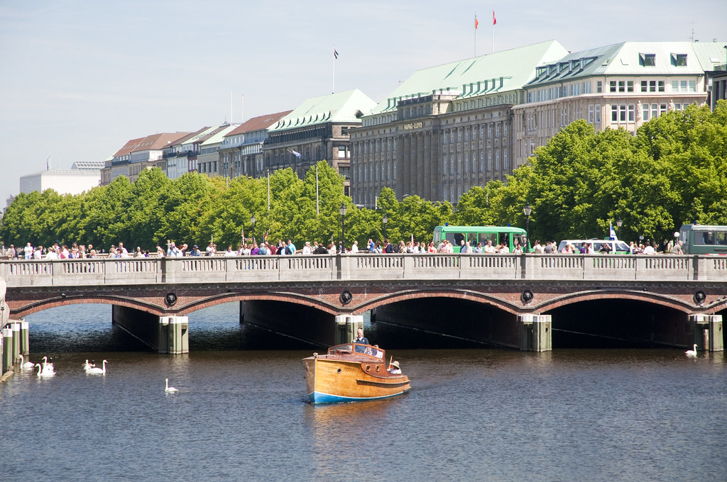 Binnenalster and the Buildings around it