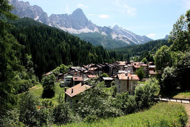 il panorama del piccolo Borgo di Cibiana di Cadore