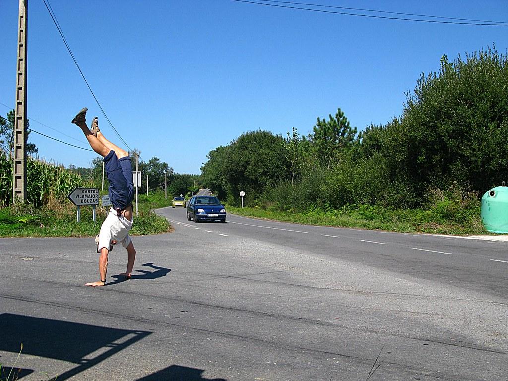 Hitch-hiking near Muxia, Spain - by stopmagohome