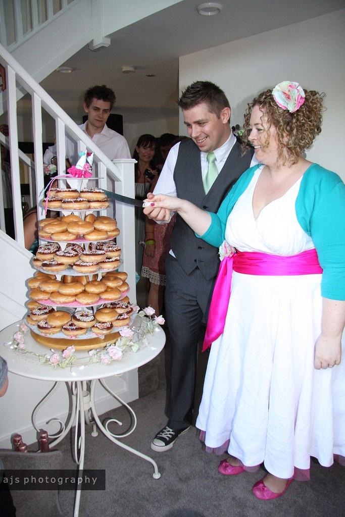 big day | cutting the doughnut cake