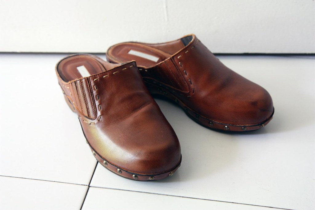 zara clogs