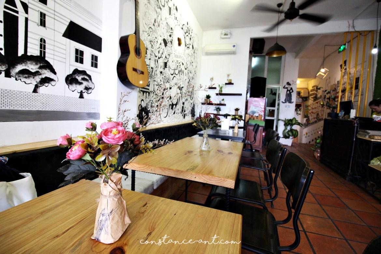 Cafe Apartment 09